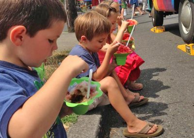kids-eating-shave-ice